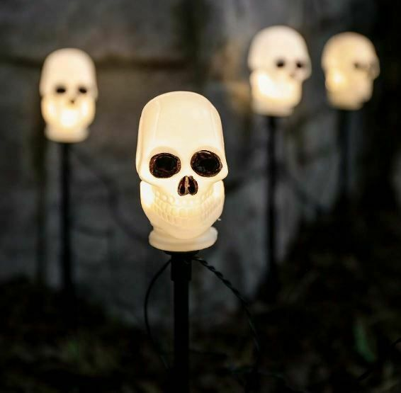 5 Outdoor Halloween Skull Stake Lights, Warm White LEDs